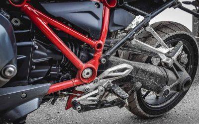 Sicherheitskontrolle beim Motorrad